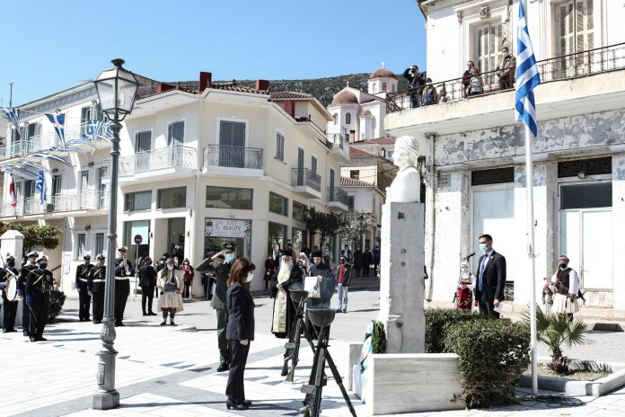 Η ΠτΔ στις επετειακές εκδηλώσεις για την απελευθέρωση του Κάστρου των Σαλώνων, στην Άμφισσα - Σε Δίστομο, Αράχωβα αντιπροσωπεία «Ελλάδα 2021»(ΦΩΤΟ)