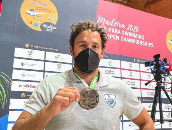 Οι Παραολυμπιονίκες γύρισαν στην Ελλάδα με 9 μετάλλια, αλλά όλοι υποδέχτηκαν τους παίκτες του Survivor